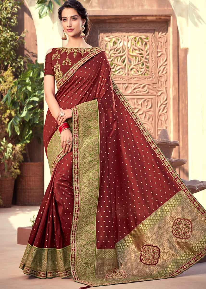 How to pick the right wedding saree online